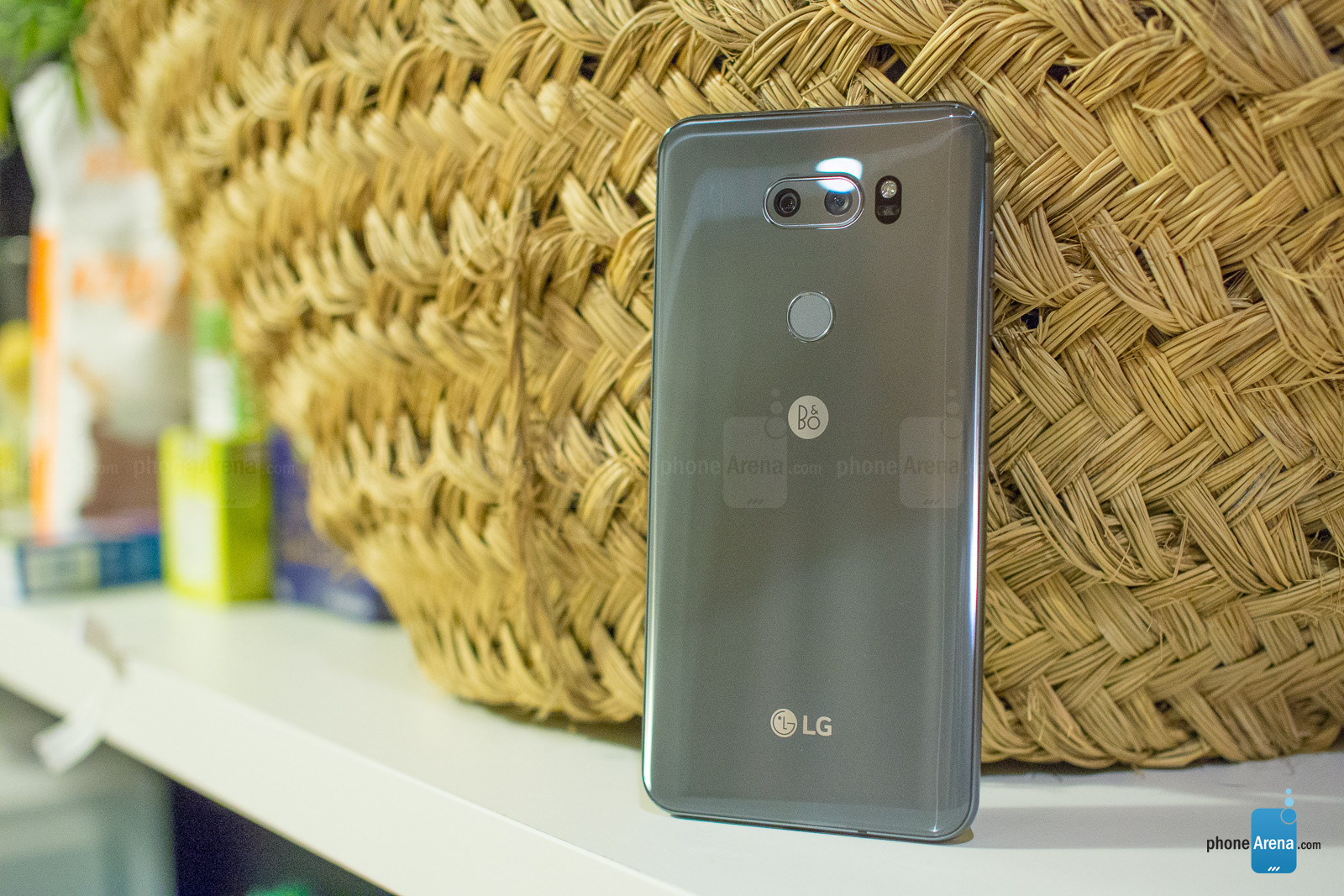 The-LG-V30S-ThinQ-in-photos.jpg
