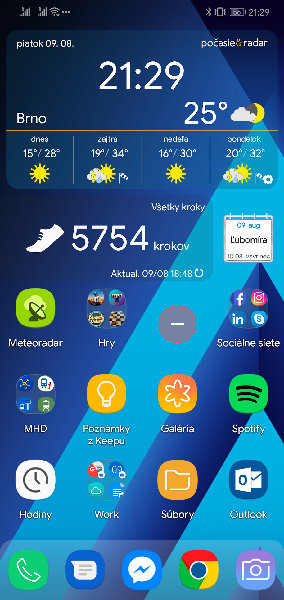 Screenshot_20190809_212924_com.teslacoilsw.launcher.jpg